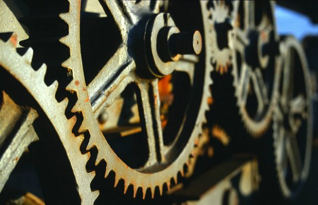 Crane gears (credit: Kevin Utting/CC BY 2.0)